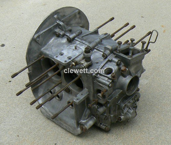 USED - Porsche 356 Engine Case - Click Image to Close